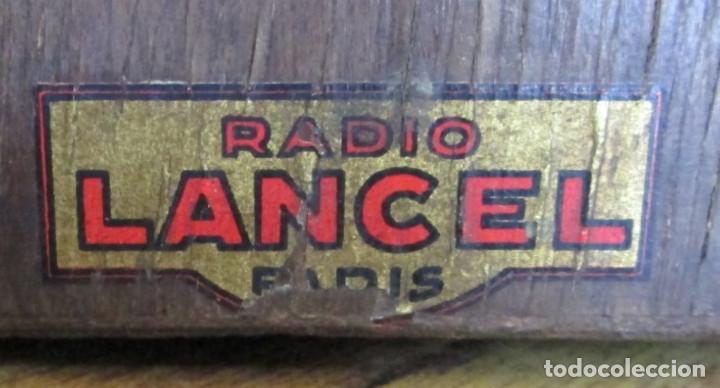 Radios de válvulas: RADIO LANCEL – Paris -- De madera muy pequeña Medidas 20,5 x 16 x 12,5 cm. Válvulas grandes - Foto 6 - 101078431