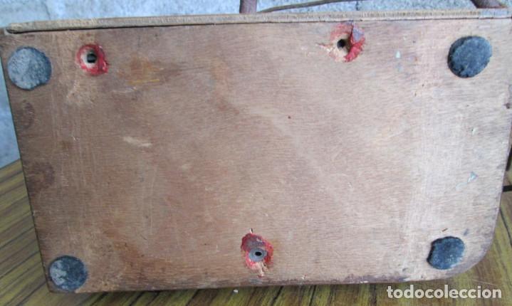 Radios de válvulas: RADIO LANCEL – Paris -- De madera muy pequeña Medidas 20,5 x 16 x 12,5 cm. Válvulas grandes - Foto 7 - 101078431