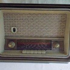Radios de válvulas: ANTIGUA RADIO MADERA MUY RARA BRITANIA. Lote 101695795