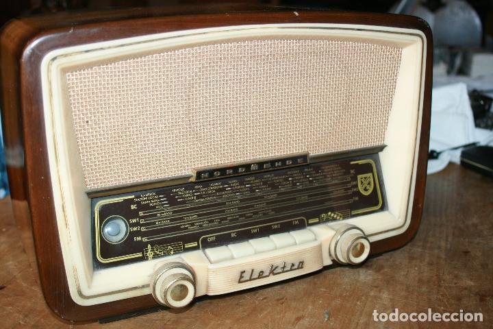 RADIO MARCA NORDMENDE ELEKTRA 57 MADE IN GERMANY FUNCIONA Y SINTONIZA BIEN DE COLECCION VER FOTOS (Radios, Gramófonos, Grabadoras y Otros - Radios de Válvulas)