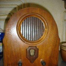 Radios de válvulas: MUY BONITA RADIO VINTAGE ES REPLICA EN MADERA DE UNA RADIO DE CAPILLA ESTA EN PERFECTO ESTADO DE MAR. Lote 102364995