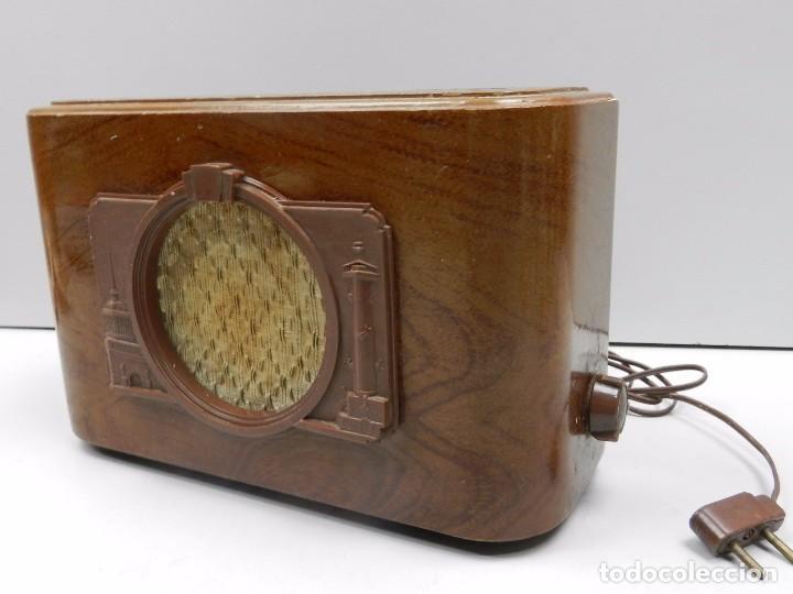 ANTIGUA RADIO DE MADERA AÑOS COMUNISTA RUSIA MUY RARO AÑOS 50 VINTAGE (Radios, Gramófonos, Grabadoras y Otros - Radios de Válvulas)