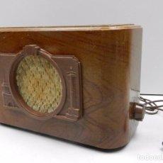 Radios de válvulas: ANTIGUA RADIO DE MADERA AÑOS COMUNISTA RUSIA MUY RARO AÑOS 50 VINTAGE. Lote 102400899