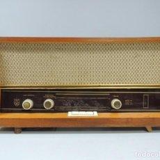 Radios de válvulas: IMPRESIONANTE ANTIGUA RADIO DE VÁLVULAS MADERA AÑOS 60 USSR ERA COMUNISTA RARO. Lote 102400939