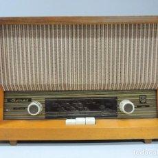 Radios de válvulas: ANTIGUA RADIO DE VÁLVULAS MADERA MARCA SONET AÑOS 50 RARO. Lote 102401015
