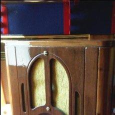 Radios de válvulas: PRECIOSA RADIO AMERICANA MARCA CROSLEY MODELO 517 EARLY FUNCIONA MUY BIEN. Lote 102727115