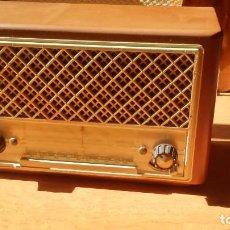 Radios de válvulas: BONITO RADIO ALEMÁN PHILETTA 51 1950 1953 FUNCIONANDO MUY BIEN. Lote 102729763