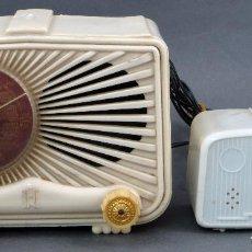 Radios de válvulas: RADIO DE BAQUELITA MR MADRID RADIO MODELO 59 CON TRANSFORMADOR AÑOS 50. Lote 103659243