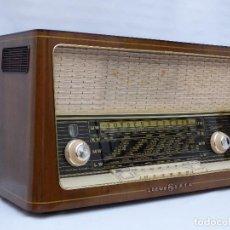 Radios de válvulas: ANTIGUA RADIO DE VÁLVULAS, MARCA LOEWE OPTA, MAGNIFICO ESTADO, FUNCIONANDO, GRAN SONIDO (VER VÍDEO). Lote 103671995