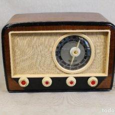 Radios de válvulas: RADIO DE VÁLVULAS, MARCA: RENIG DE FABRICACION ESPAÑOLA AÑOS 40. Lote 103784991