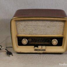Radios de válvulas: RADIO TELEFUNKEN CAPRICHO U-2025-FM. . Lote 103786175