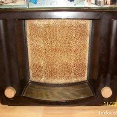 Radios de válvulas: RADIO PHILIPS-MODELO MATADOR-VGA-AÑO 1937-BAQUELITA-RARA-FUNCIONA. Lote 104330175