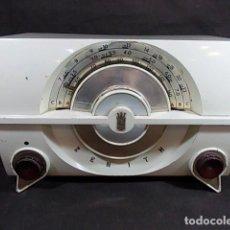 Radios de válvulas: ANTIGUA RADIO DE VÁLVULAS DE LA MARCA ZENITH EN COLOR BLANCO POCO USUAL FUNCIONANDO. Lote 104687847