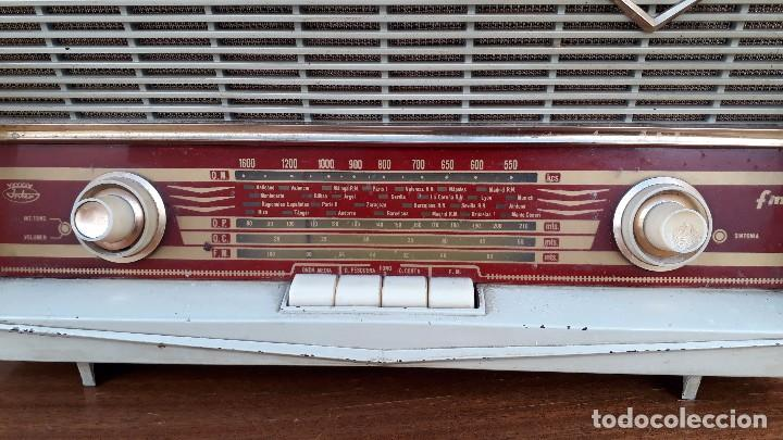 Radios de válvulas: Radio antigua de válvulas marca inter modelo haití M.A. radio de 1959 INTER modelo haití. RAREZA - Foto 3 - 173630018