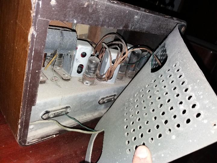 Radios de válvulas: radio antigua marca zynker - Foto 8 - 102076283