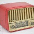 Radios de válvulas: ANTIGUA RADIO DE VÁLVULAS - TELEFUNKEN. PANCHITO U-1915 - COLOR ROJO - AÑOS 60. Lote 107870946