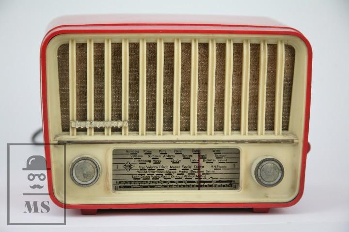 Radios de válvulas: Antigua Radio de Válvulas - Telefunken. Panchito U-1915 - Color Rojo - Años 60 - Foto 10 - 107870946
