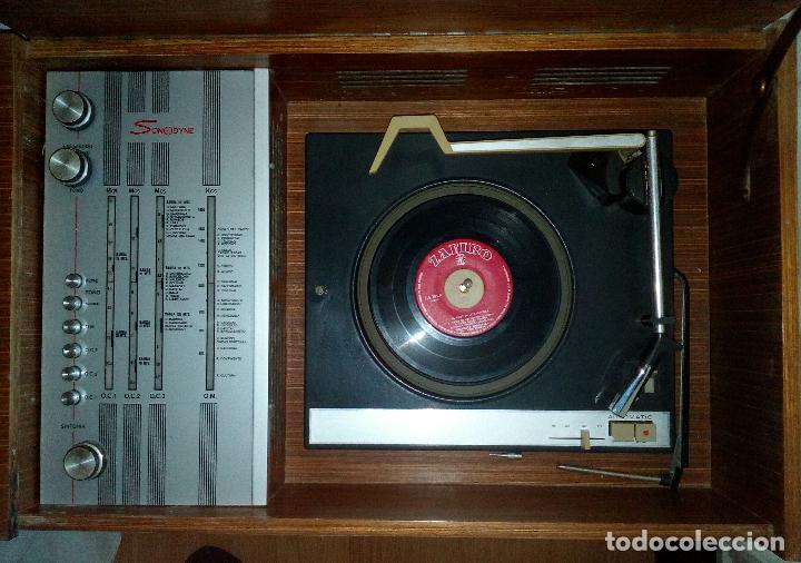 Radios de válvulas: RADIO - TOCADISCOS CON MUEBLE - SONODYNE. - Foto 5 - 107086555