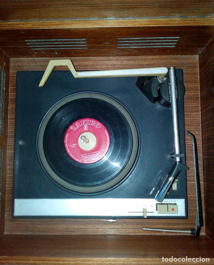 Radios de válvulas: RADIO - TOCADISCOS CON MUEBLE - SONODYNE. - Foto 6 - 107086555