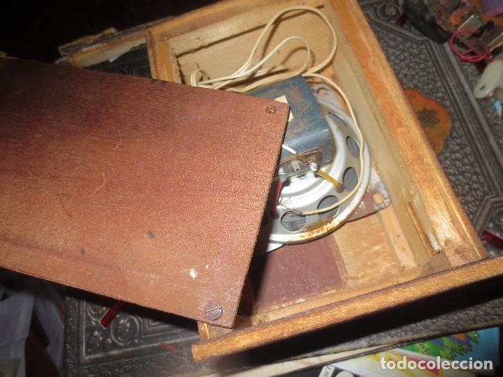Radios de válvulas: ANTIGUA RADIO ARTESANAL ? MADERA PARA RESTAURAR - Foto 8 - 107138531