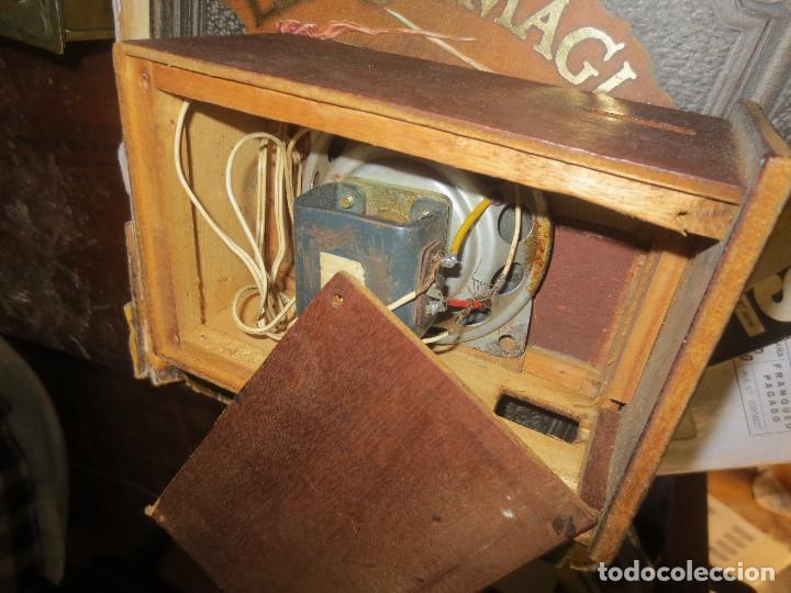 Radios de válvulas: ANTIGUA RADIO ARTESANAL ? MADERA PARA RESTAURAR - Foto 9 - 107138531