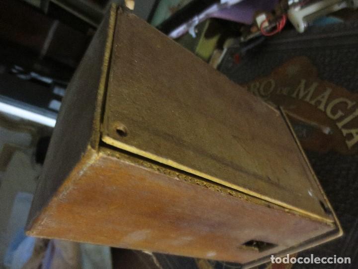 Radios de válvulas: ANTIGUA RADIO ARTESANAL ? MADERA PARA RESTAURAR - Foto 11 - 107138531