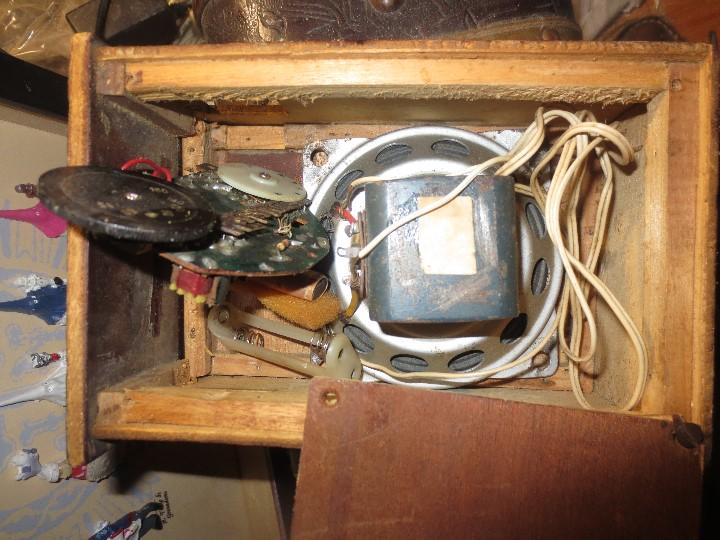 Radios de válvulas: ANTIGUA RADIO ARTESANAL ? MADERA PARA RESTAURAR - Foto 12 - 107138531
