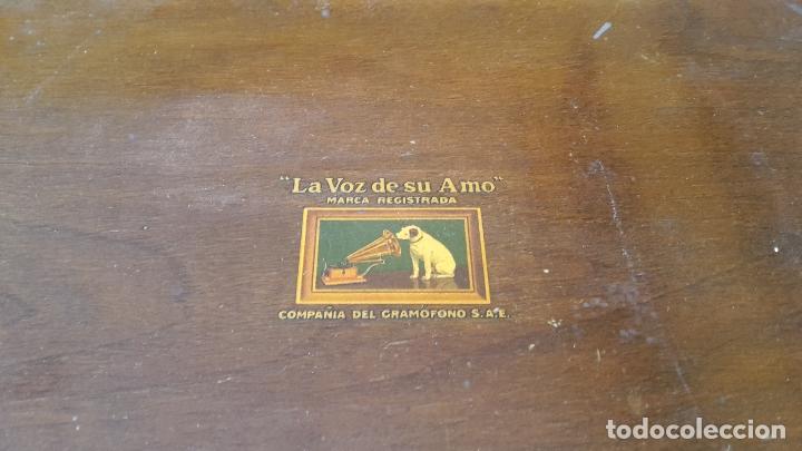 Radios de válvulas: Radio La Voz de su Amo años 50 - Foto 2 - 108885331
