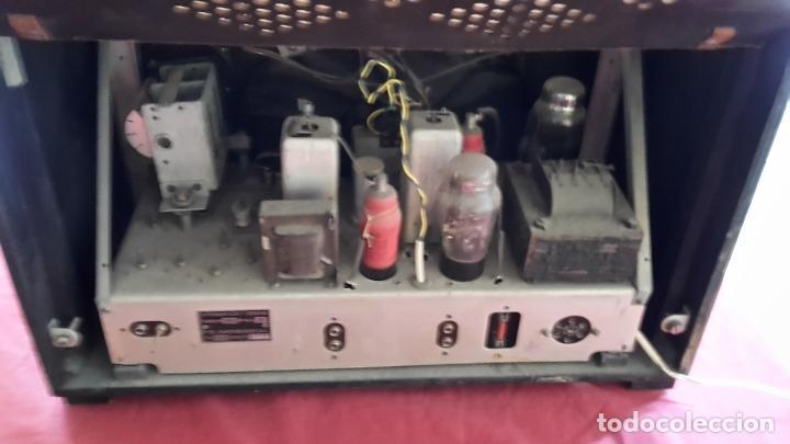 Radios de válvulas: Radio La Voz de su Amo años 50 - Foto 3 - 108885331