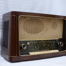 Radios de válvulas: ANTIGUA RADIO DE VÁLVULAS MARCA GRUNDIG, MUY BIEN CONSERVADA, FUNCIONANDO CON BUEN SONIDO (VER VÍDEO. Lote 109154331