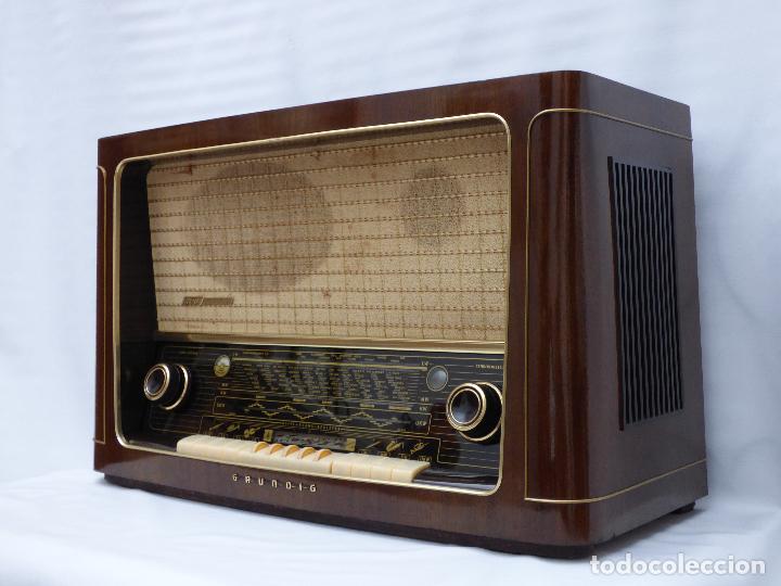 Radios de válvulas: Antigua radio de válvulas marca GRUNDIG, muy bien conservada, funcionando con buen sonido (ver vídeo - Foto 2 - 109154331