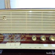 Radios de válvulas: RADIO INVICTA MODELO 5267, COLOR BURDEOS. Lote 109537659