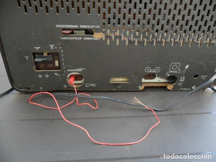 Radios de válvulas: RADIO PHILIPS EN BAQUELITA 220 VOL - FUNCIONANDO - ANTIGUA - Foto 5 - 110307595