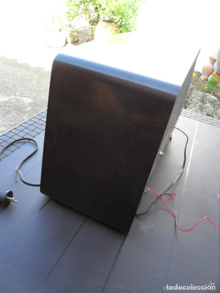 Radios de válvulas: RADIO PHILIPS EN BAQUELITA 220 VOL - FUNCIONANDO - ANTIGUA - Foto 8 - 110307595