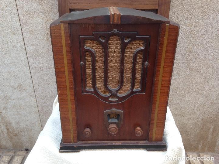 RADIO A VÁLVULAS COLONIAL - AÑOS 30 (Radios, Gramófonos, Grabadoras y Otros - Radios de Válvulas)