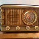 Radios de válvulas: RADIO ANTIGUA A VALVULAS FUNCIONANDO. Lote 111780139