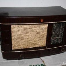 Radios de válvulas: PHILIPS DE BAQUELITA TYP 206A-19 FUNCIONA. Lote 111974895