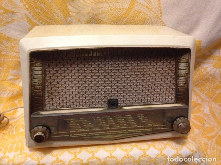 RECEPTOR DE RADIO RADIOLA - DE LOS AÑOS 50 (Radios, Gramófonos, Grabadoras y Otros - Radios de Válvulas)