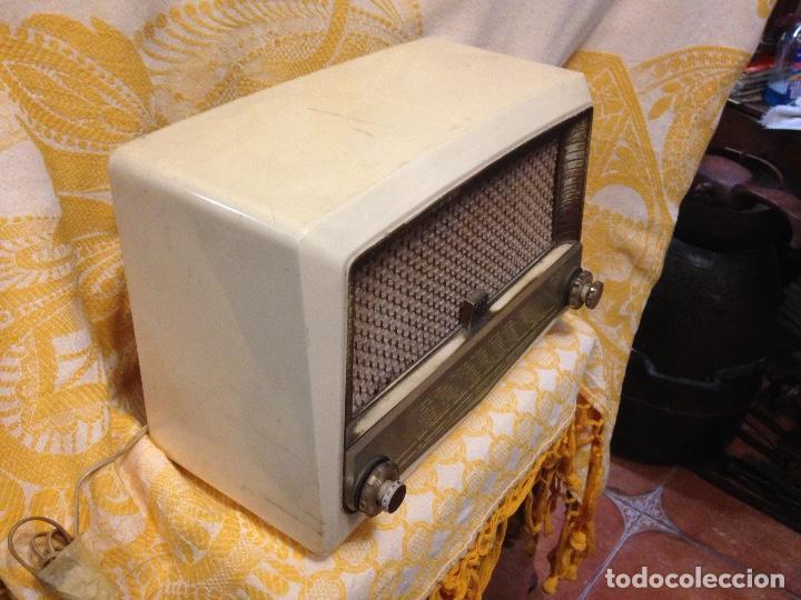 Radios de válvulas: Receptor de Radio Radiola - de los años 50 - Foto 3 - 112311251