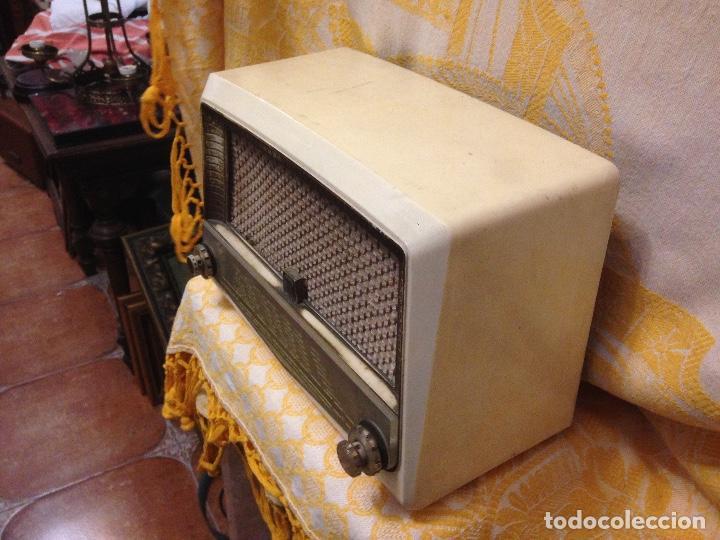 Radios de válvulas: Receptor de Radio Radiola - de los años 50 - Foto 4 - 112311251