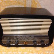 Radios de válvulas: RADIO A VÁLVULAS PHILIPS A VÁLVULAS DE DISEÑO. Lote 112313115
