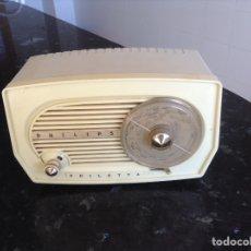 Radios de válvulas: PEQUEÑA RADIO PHILIPS MODELO PHILETTA. FUNCIONANDO A 125 V. Lote 113329020