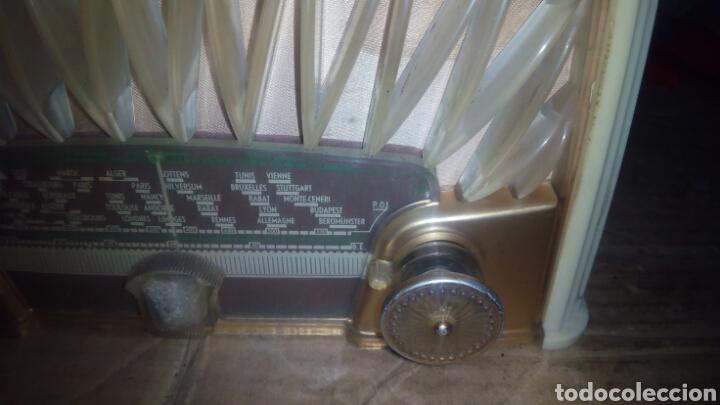 Radios de válvulas: Pequeña Radio Radiola,RA152U (Funcionando) - Foto 2 - 113863746