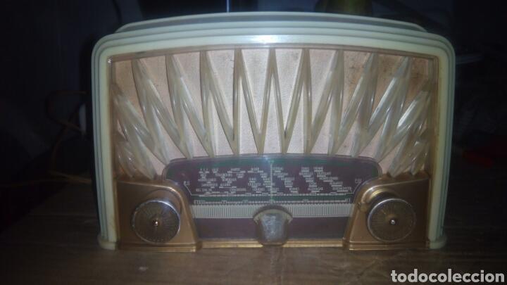 Radios de válvulas: Pequeña Radio Radiola,RA152U (Funcionando) - Foto 7 - 113863746