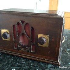 Radios de válvulas: PEQUEÑA RADIO EN MADERA ZENITH. MODELO 701. MEDIDAS EN CMS (29X13X18) NO FUNCIONA. Lote 114071075