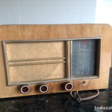 Radios à lampes: RADIO J DELAITRE. EN. MADERA. MEDIDAS EN CMS (42X18X26). NO FUNCIONA. Lote 114436363