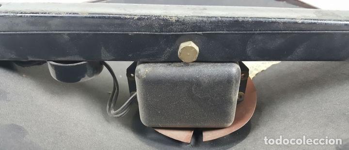 Radios de válvulas: RADIO PHILIPS MODELO 2515 A VALVULAS. PINTURA ORIGINAL. 125 V. 1928-1930. - Foto 13 - 114524211
