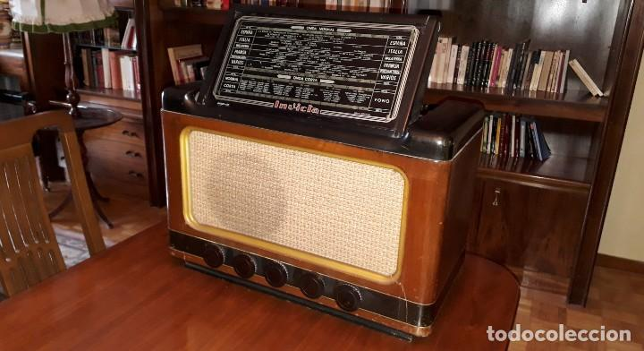 RADIO DE VÁLVULAS ANTIGUA MARCA INVICTA MOD. 243 (Radios, Gramófonos, Grabadoras y Otros - Radios de Válvulas)