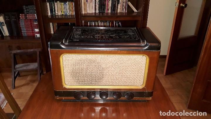 Radios de válvulas: Radio de válvulas antigua marca invicta mod. 243 - Foto 3 - 114613763