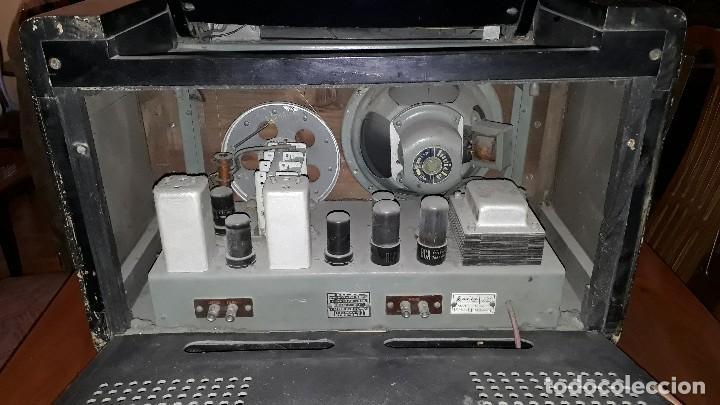 Radios de válvulas: Radio de válvulas antigua marca invicta mod. 243 - Foto 9 - 114613763